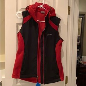 NWT Columbia hooded vest
